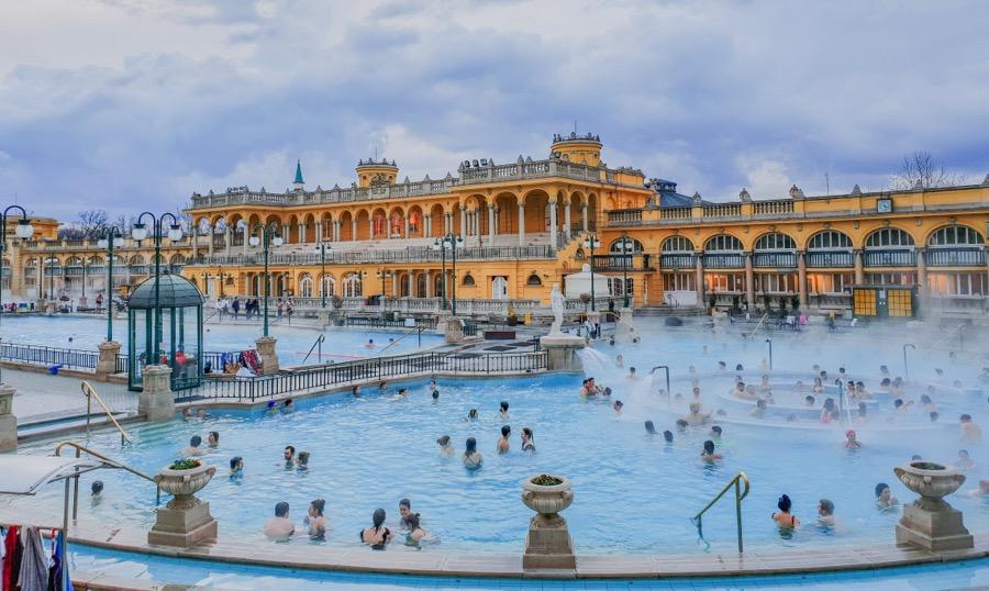 activités evjf Budapest - les bains à Budapest