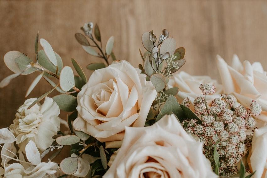 bouquet de rose blanches
