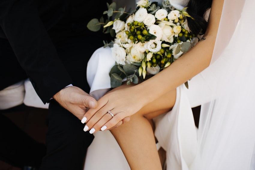 mariage aliance main bague