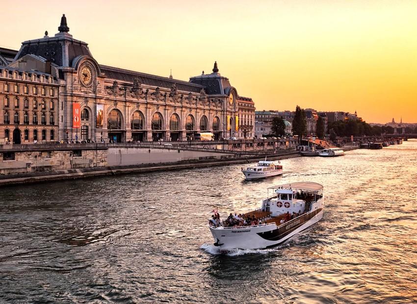 meilleures activités evjf Paris - sortie en Bateau Paris